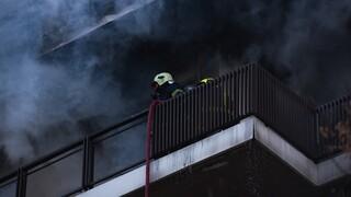 Θεσσαλονίκη: Μεγάλη φωτιά σε πολυκατοικία - Δέκα άτομα στο νοσοκομείο