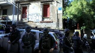 Επιχείρηση της ΕΛ.ΑΣ. για εκκένωση κτηρίου στο Παγκράτι