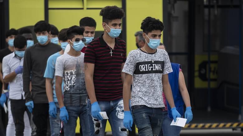 Καμένα Βούρλα: Συνεχίζονται οι αντιδράσεις για την εγκατάσταση των προσφυγόπουλων