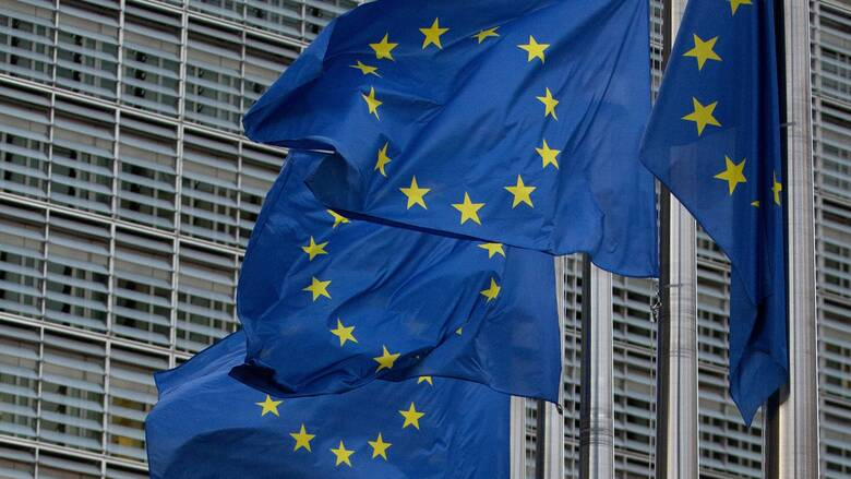 ΕΕ: «Πράσινο φως» για 87,4 δισ. ευρώ για τον κορωνοϊό - Πόσα θα λάβει η Ελλάδα