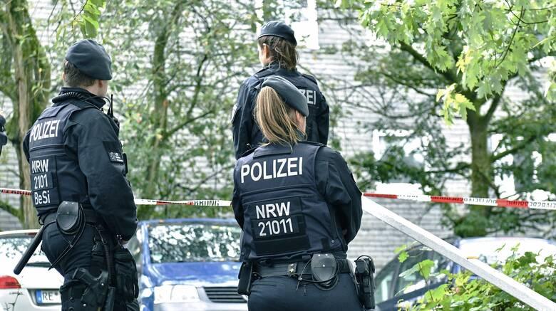 Γερμανία: Aκροδεξιοί αστυνομικοί αντιμετωπίζουν μείωση μισθού έως και 50%