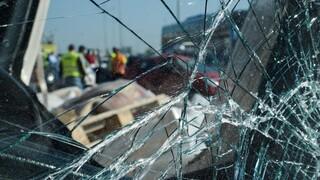 Καραμπόλα στη Θεσσαλονίκη: Νταλίκα «δίπλωσε» στην έξοδο του Δερβενίου