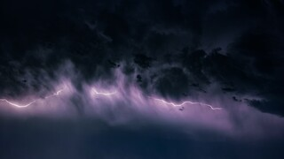 Ψυχρό μέτωπο έφερε καταιγίδες – Ποιες περιοχές θα επηρεαστούν
