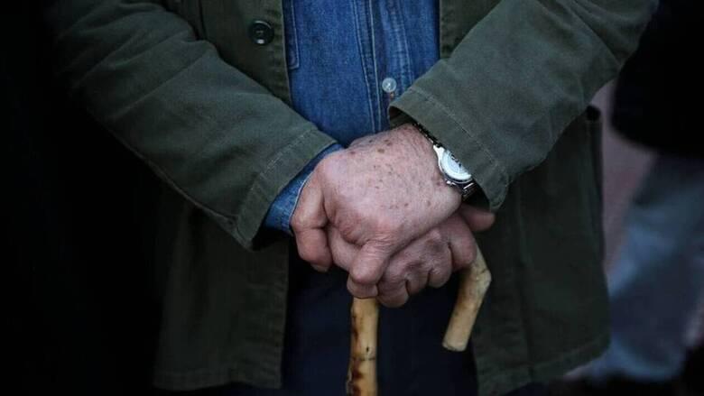Η ΑΑΔΕ καλεί 42.000 συνταξιούχους να δηλώσουν τα αδήλωτα αναδρομικά