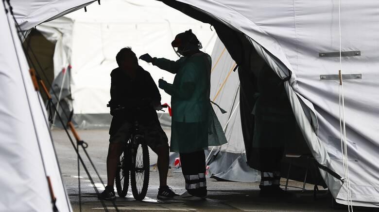 Κορωνοϊός: Ξεπέρασαν το ένα εκατομμύριο οι θάνατοι στον κόσμο