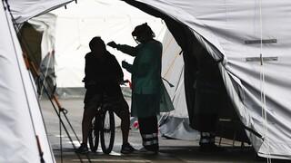 Κορωνοϊός: Ξεπέρασαν το ένα εκατομμύριοι οι θάνατοι στον κόσμο