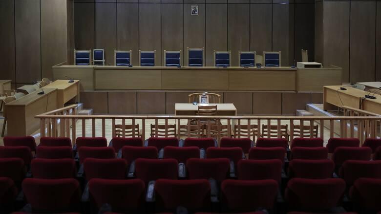 Κορωνοϊός: Κρούσμα στα Διοικητικά Δικαστήρια