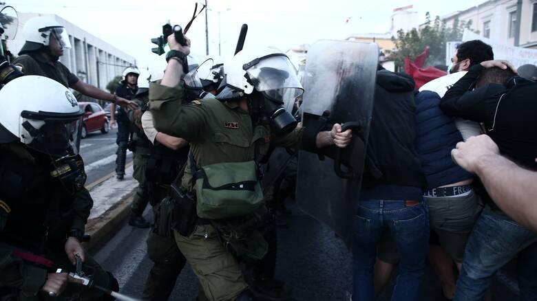 Επίσκεψη Πομπέο: Πορείες σε Αθήνα και Θεσσαλονίκη και επεισόδια στην αμερικανική Πρεσβεία