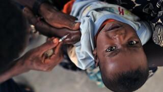 Κορωνοϊός: Επιπλέον 100 εκατ. δόσεις εμβολίων εξασφαλίστηκαν για τις φτωχές χώρες