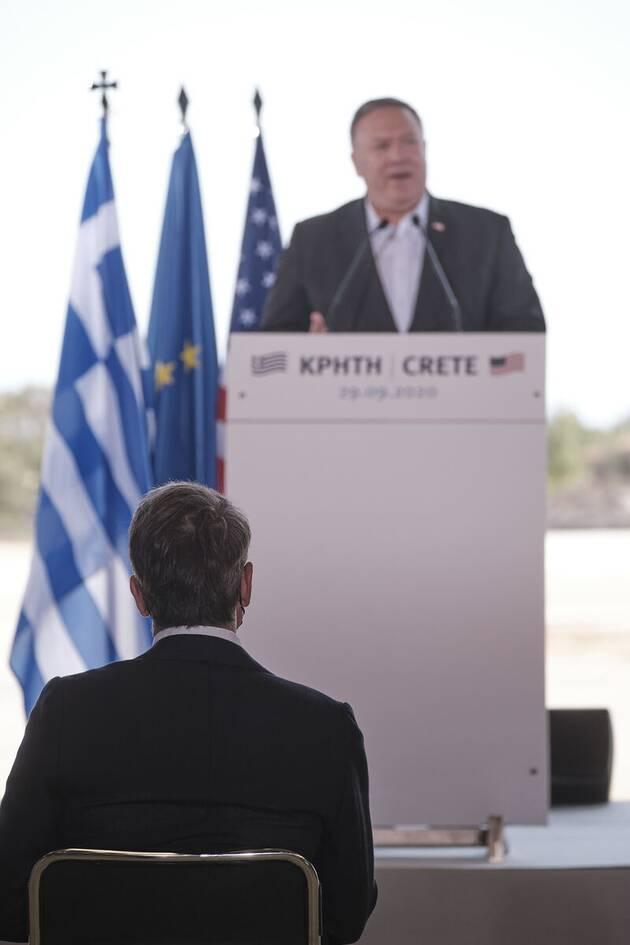 https://cdn.cnngreece.gr/media/news/2020/09/29/236338/photos/snapshot/pompeo-souda-4.jpg