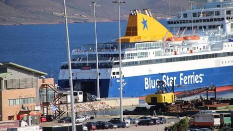 Πάνω από 900 πρόσφυγες μεταφέρθηκαν από τα νησιά στην ηπειρωτική Ελλάδα