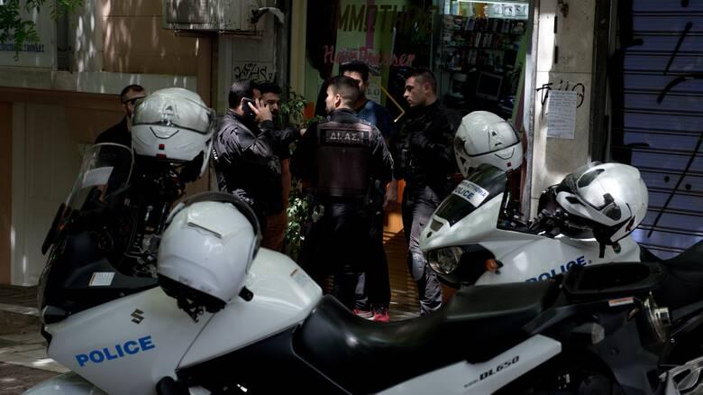 Σύλληψη 31χρονου για διάδοση κορωνοϊού και εκμετάλλευση αλλοδαπών στην Αθήνα