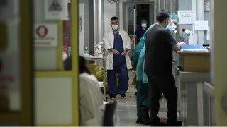 Κορωνοϊός: Νέα «έκρηξη» με 416 κρούσματα - Στους 79 οι διασωληνωμένοι στις ΜΕΘ