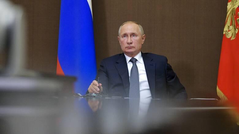 Κορωνοϊός - Ρωσία: Ο Πούτιν προτίθεται να κάνει το εμβόλιο