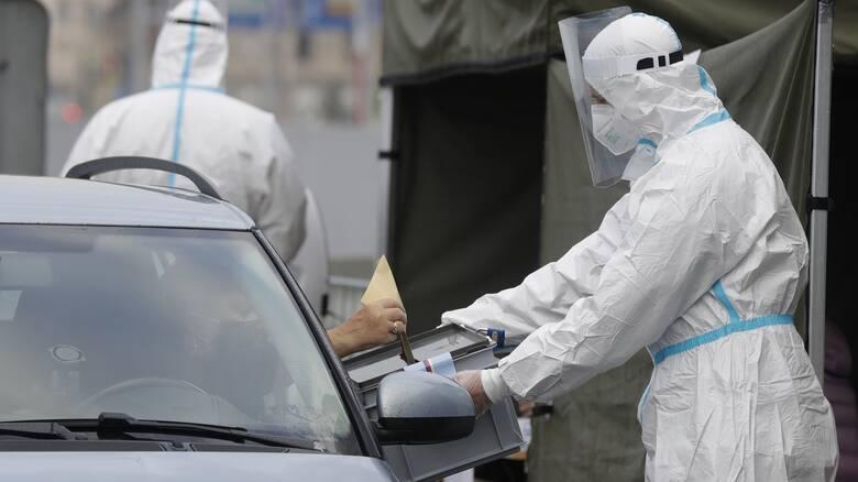Κορωνοϊός: Σε κατάσταση έκτακτης ανάγκης η Τσεχία - Αυστηρά μέτρα από τη Δευτέρα