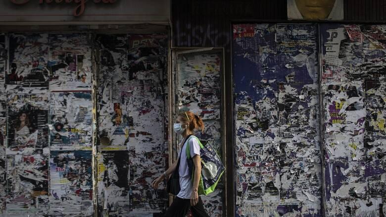 Κορωνοϊός: Στο «κόκκινο» το κέντρο της Αθήνας - Η νέα εστία μόλυνσης και οι φόβοι του Τσιόδρα