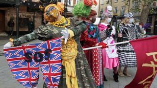 Λονδίνο: Οι καλλιτέχνες διαδηλώνουν ζητώντας οικονομική βοήθεια (pics)