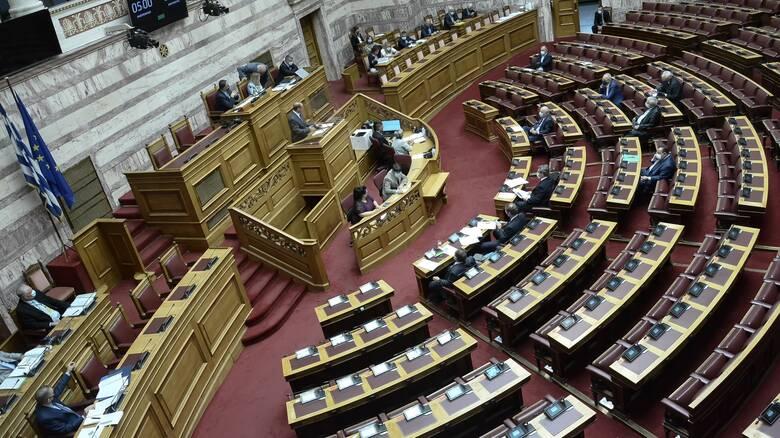 Ένταση και εντός της Βουλής για συλλαλητήριο και καταλήψεις