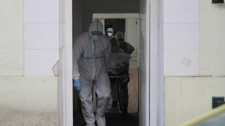 Κορωνοϊός: Συναγερμός με 411 νέα κρούσματα - «Έκρηξη» στην Αττική