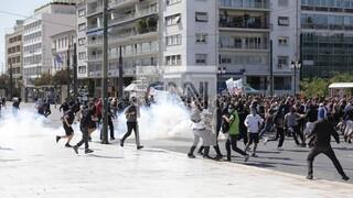 Μαθητικό συλλαλητήριο: Συλλήψεις δύο νεαρών για τα επεισόδια στο Σύνταγμα