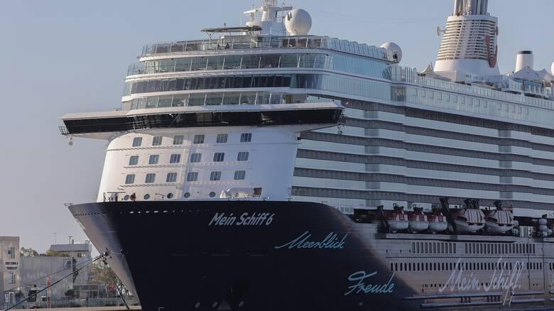 «Έδεσε» στο λιμάνι της Κέρκυρας το κρουαζιερόπλοιο Mein Schiff 6