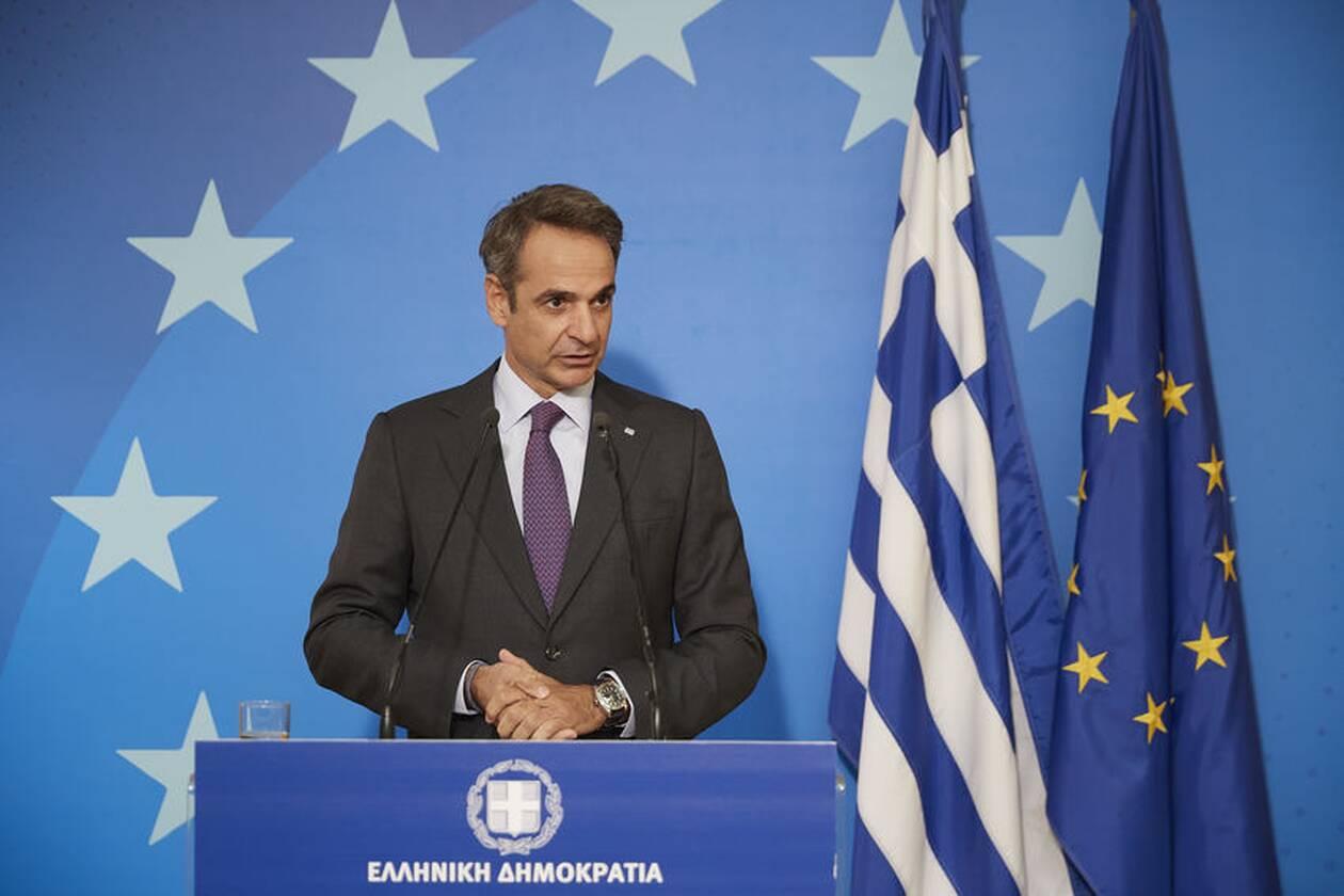 https://cdn.cnngreece.gr/media/news/2020/10/02/236826/photos/snapshot/mitsotakis-synodos4-4.jpg