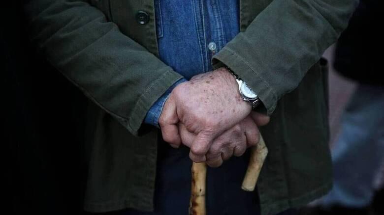Τροπολογία «ξεκλειδώνει» και τα αναδρομικά των συνταξιούχων του Δημοσίου