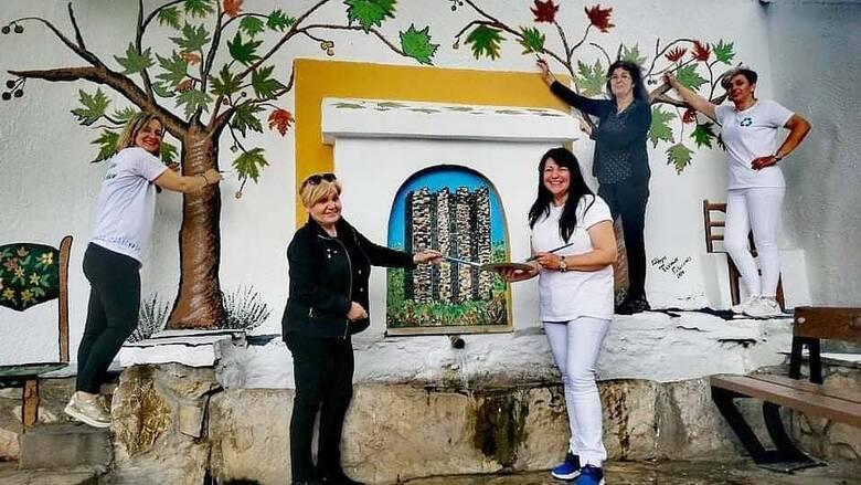 Γαλάτιστα Χαλκιδικής: Πώς 10 γυναίκες μεταμόρφωσαν με τα πινέλα τους ένα ολόκληρο χωριό