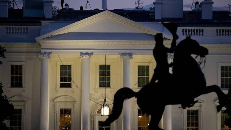 Κορωνοϊός: Όλοι οι… άρρωστοι του Προέδρου – Η εκδήλωση που «σάρωσε» τον μισό Λευκό Οίκο