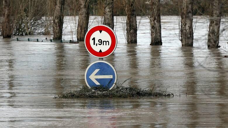 Πλημμύρες στη Γαλλία: Εννέα αγνοούμενοι μετά από καταρρακτώδεις βροχές