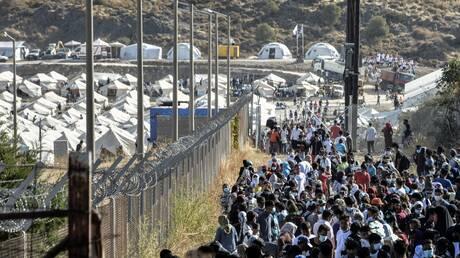 Τηλε-συνάντηση Μηταράκη με φορείς της Μυτιλήνης για τη μετανάστευση