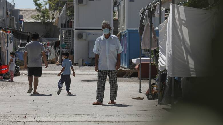 Κορωνοϊός: Σε πλήρη υγειονομικό αποκλεισμό η δομή φιλοξενίας Σκαραμαγκά