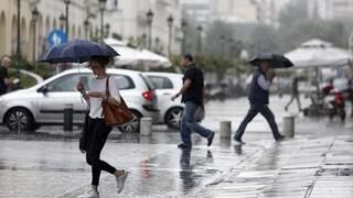 Καιρός: Βροχές και υψηλές θερμοκρασίες σήμερα