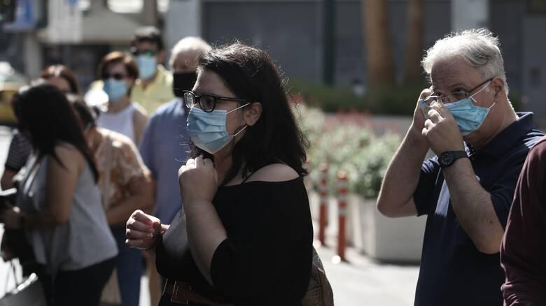 Κορωνοϊός - Λινού: Μόνη της η μάσκα δεν προστατεύει στον συνωστισμό