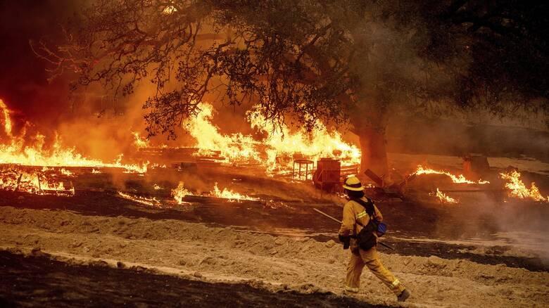 ΗΠΑ: Στάχτη έχουν γίνει 16 εκατ. στρέμματα από τις φωτιές στην Καλιφόρνια