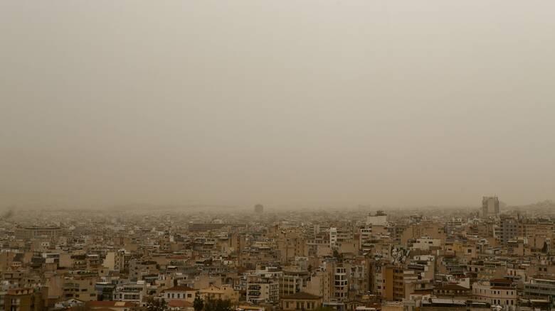 Καιρός: Αυξημένες οι συγκεντρώσεις σκόνης - Πού αναμένονται βροχές