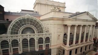 Βασιλική Όπερα του Λονδίνου: Βγάζει στο σφυρί πίνακα του Χόκνεϊ για να επιβιώσει