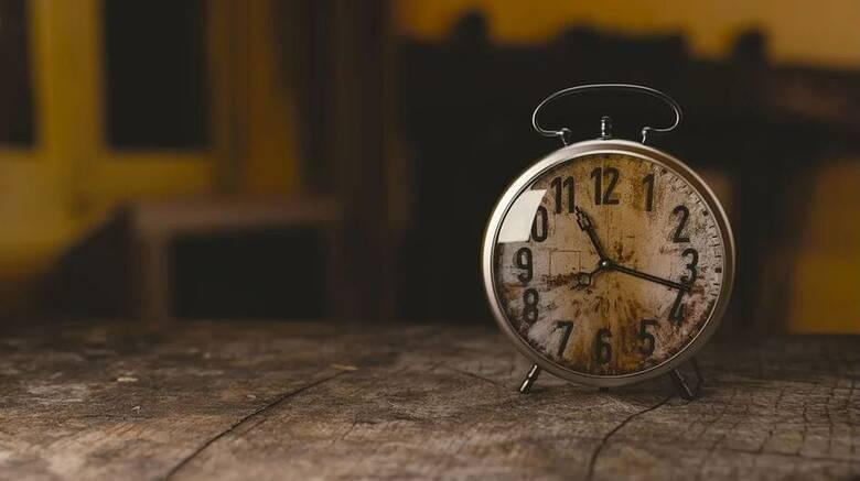 Πότε αλλάζει η ώρα - Πότε θα βάλουμε τα ρολόγια μας μία ώρα πίσω