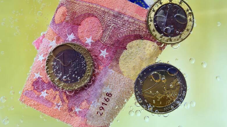 Εκτός της ευρωπαϊκής λίστας με τους φορολογικούς παράδεισους τα νησιά Κέιμαν - Ποιοι μπήκαν