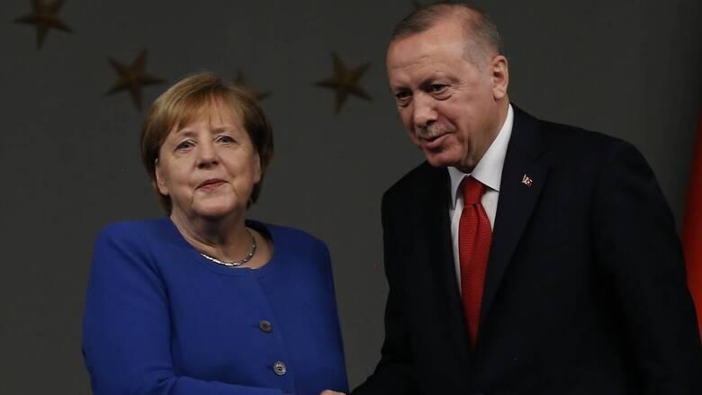 Ερντογάν σε Μέρκελ: Η ΕΕ υπέκυψε στον εκβιασμό Ελλάδας και Κύπρου