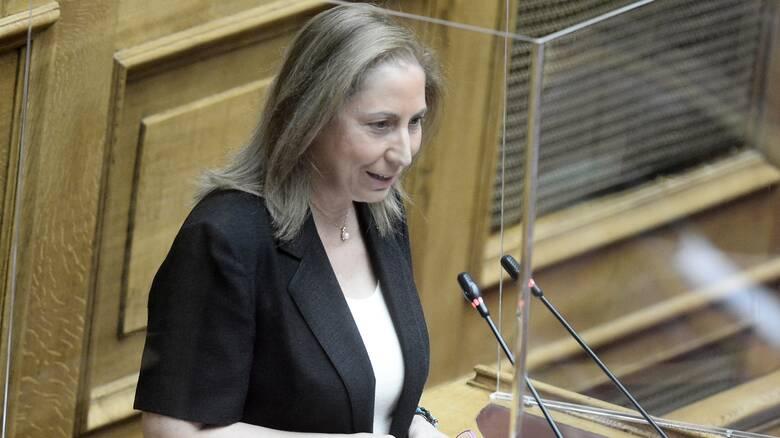 Ξενογιαννακοπούλου: Συνεχίζουν τον αποκλεισμό από τα αναδρομικά και στους συνταξιούχους του Δημοσίου