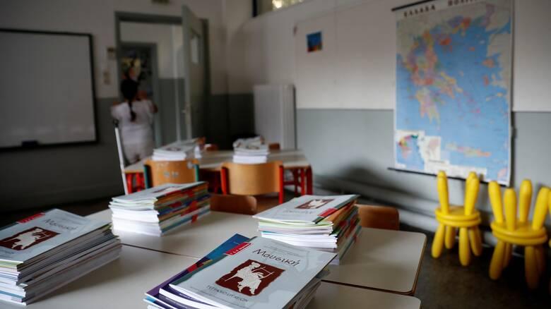 Αναπληρωτές εκπαιδευτικοί: Τα ονόματα για 6.465 προσλήψεις από το υπουργείο Παιδείας