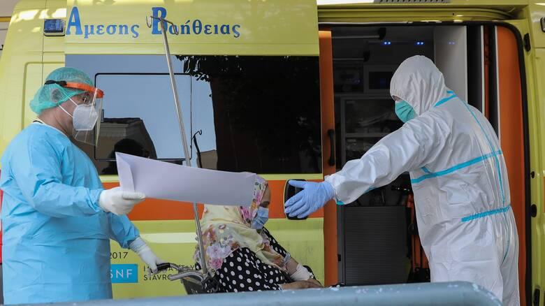 Κορωνοϊός: «Βράζει» η Αττική με 194 κρούσματα - Μίνι lockdown σε Ιωάννινα και Κοζάνη