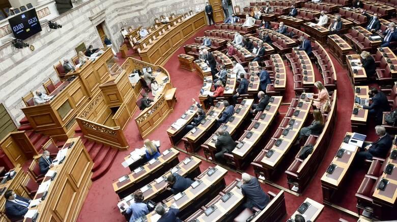 «Θύελλα» στη Βουλή για τις αποκαλύψεις Κοντονή