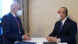 Δένδιας - Τσαβούσογλου: Συμφώνησαν να δοθεί ημερομηνία για τις διερευνητικές