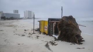 Εκτεταμένες καταστροφές στο Μεξικό μετά το πέρασμα του τυφώνα Delta