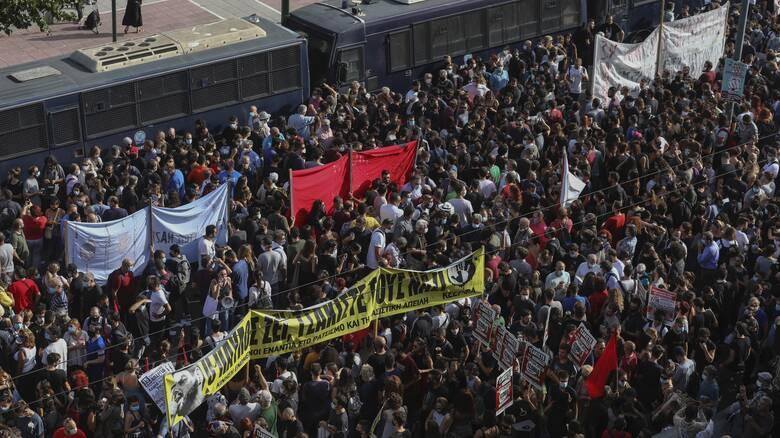Δημοσκόπηση: Τι λένε οι πολίτες για τη δίκη της Χρυσής Αυγής