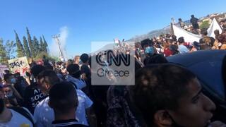 Πανεκπαιδευτικό συλλαλητήριο με ένταση έξω από το υπουργείο Παιδείας