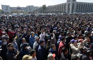 Σε κατάσταση έκτακτης ανάγκης το Κιργιστάν μετά το κενό εξουσίας