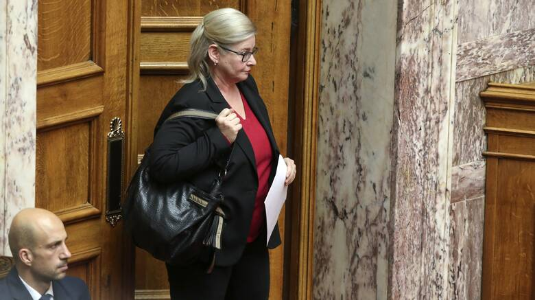 Ζαρούλια: Ανακαλείται ο διορισμός της - Στον εισαγγελέα για πλαστή δήλωση και απόπειρα εξαπάτησης